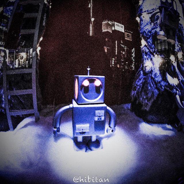 今年の和光のテーマは「超」感情を持ったロボットがキュートに表現されていますね(o^^o)